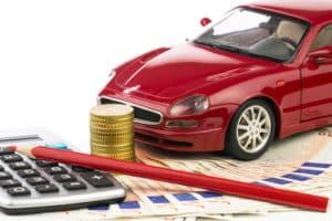 Wie kann ich als Fahranfänger bei der Versicherung sparen?